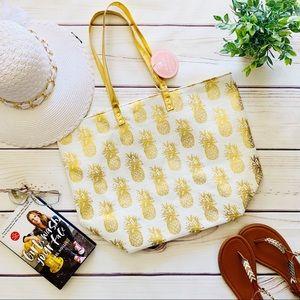Handbags - 🎉 HOST PICK 🎉 Ivory & Gold Pineapple Beach Tote